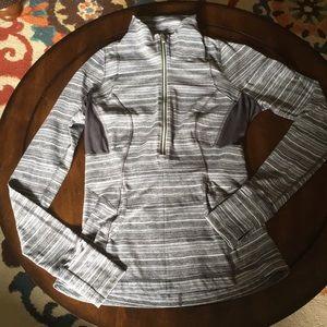 Lululemon 1/2 zip grey shirt size 6